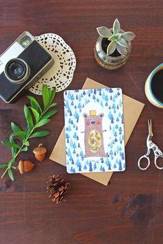 Carte Ours Hiver Noël Sapins - Carte de voeux 2016 de la boutique GodSavetheTeatime sur Etsy