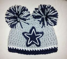 Love it except it would have to be instead of cowboys! Crochet Baby Beanie, Crochet Kids Hats, Crochet Cap, Crochet Crafts, Crochet Projects, Crocheted Hats, Dallas Cowboys Hats, Cowboys Football, Crochet Football