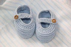 6 patrones gratis de patucos de bebe diy Booties Crochet, Baby Booties, Knit Crochet, Baby Shoes, Tricot Baby, Baby Wearing, Baby Knitting, Booty, Diy