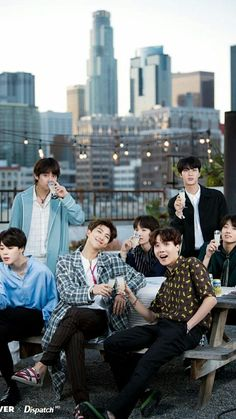 """Read BTS - Secretaria from the story Imagina con BTS: """"Soñar No Cuesta Nada"""". BTS como exitosos e."""