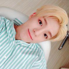 we stan a blonde jeno 🥰😍😭 Jeno Nct, Incheon, Nct 127, Rapper, Wattpad, Entertainment, Winwin, Handsome Boys, Historia