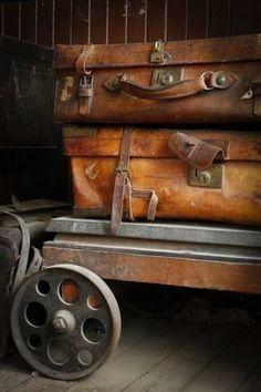 Vintage Luggage on Trolley Vintage Suitcases, Vintage Luggage, Vintage Travel, Vintage Market, Vintage Design, Vintage Love, Vintage Items, Industrial Chic, Vintage Industrial