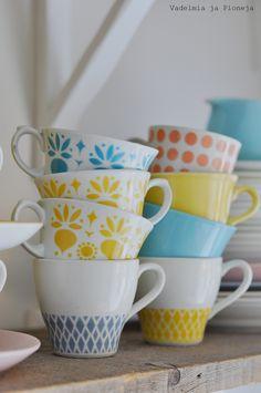 Vintage retro coffee cups, Arabia Finland