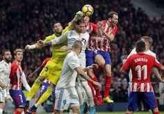 Atlético y Real Madrid dan vida al Barça (0-0) | Deportes | EL PAÍS https://elpais.com/deportes/2017/11/18/actualidad/1511019915_628337.html#?ref=rss&format=simple&link=link
