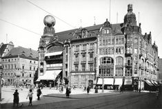Early century Department Stores, Breslau, Germany (now Wrocław, Poland) Vintage Architecture, Historical Architecture, A Discovery Of Witches, Historical Images, Book Of Life, Travel Abroad, Old Town, Old Photos, Germany