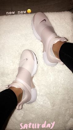 OMG love these Presto Nike ? OMG love these Presto Nike ? Cute Sneakers, Cute Shoes, Me Too Shoes, Shoes Sneakers, Ladies Sneakers, Sneaker Heels, Ladies Shoes, Girls Shoes, Sneakers Fashion