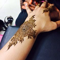 #Mehndi on Hands and Feet | http://www.indusboutique.com/henna-on-hands-feet.php