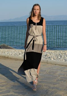 Stylish and practical maxi dress with wide black-beige stripes, with high side slits for easy walking. Discover all Dresses from New Collection in Stylati online store. Chic Outfits, Sport Outfits, Clipart Black And White, Beauty Tips For Hair, Striped Maxi Dresses, Sport Chic, Fashion Seasons, Spring Summer 2018, Men Looks