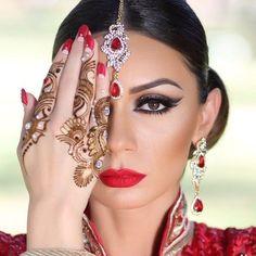beautiful makeup and henna tattoo!!! <3