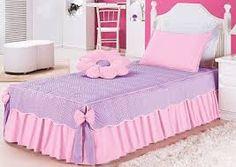 Resultado de imagem para colcha de cama de tecido Bed Cover Design, Bed Design, Bed Sets, Table Covers, Bed Covers, Quilt Bedding, Bedding Sets, Girl Room, Girls Bedroom