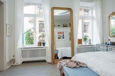 〚 Delicate bedroom in a city apartment 〛 ◾ Photos ◾Ideas◾ Design Woman Bedroom, Dream Bedroom, Master Bedroom, Bedroom Decor, Bedroom Ideas, New View, Antique Furniture, Rum, Mirror