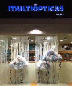 #multiópticas #invierno16 #escaparates #1954olidesign Nubes de algodón para un invierno poco lluvioso Escaparate realizado para la campaña de invierno/16 en la óptica Andres de Cartagena, Murcia