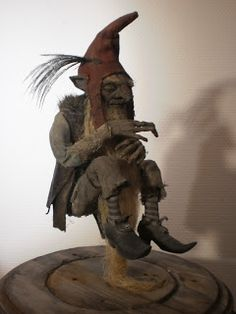 """Curiomira- This guy makes the coolest/creepiest """"fairytale relics"""" ever."""