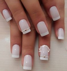 reverse french nails How Gorgeous Nails, Pretty Nails, Nail Tip Designs, Bridal Nail Art, Happy Nails, Bride Nails, Instagram Nails, French Tip Nails, Hot Nails