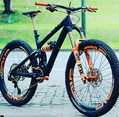 Learning to ride a bike is no big deal. Learning the best ways to keep your bike from breaking down can be just as simple. 29er Mountain Bikes, Mountain Biking, Mtb Bicycle, Bmx Bikes, Montain Bike, Baby Bike, Downhill Bike, Bicycle Maintenance, Cars