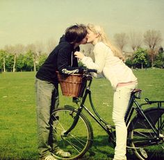 Bicycle Love. by kittysyellowjacket | Shared from http://hikebike.net