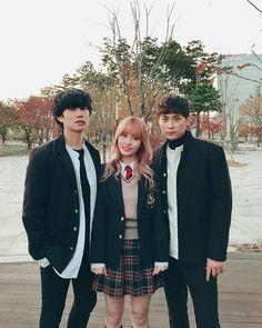 Knowing Brother - Momo - Heechul & Kyunghoon Kim Heechul, Siwon, Leeteuk, Korean Tv Shows, Korean Variety Shows, Super Junior, Kpop Girl Groups, Kpop Girls, Lee Sung Min