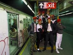 1986 – Guardian Angels in NYC Subway Station ( © Thomas Hoepker ...