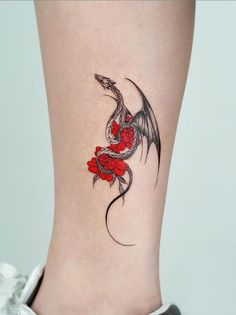 50 Mysterious And Aggressive Animal Tattoos Art Designs In Summer - Keep creating beauty and warm home, Find more happiness in daily life Dragon Tattoo Forearm, Black Dragon Tattoo, Small Dragon Tattoos, Dragon Tattoo For Women, Dragon Tattoo Designs, Small Tattoos, Dragon Tattoo On Hand, Watercolor Dragon Tattoo, Dragon Sleeve Tattoos