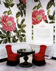 The High Style of Dorothy Draper exhibition. #Dorothy_Draper #Modern_Baroque That wallpaper is incredible!