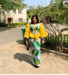 Ankara styles are just like any other clothing styles you know. But the difference between ankara and other clothing styles is Ankara. These ankara styles are new and are also lovely. African Dresses For Kids, African Lace Dresses, Latest African Fashion Dresses, African Print Fashion, African Outfits, Nigerian Fashion, African Clothes, African Wear, African Style