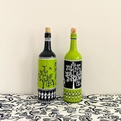 Recycled Wine Bottles, Painted Wine Bottles, Lighted Wine Bottles, Glass Bottles, Decorated Bottles, Beer Bottle Crafts, Wine Bottle Art, Diy Bottle, Worli Painting