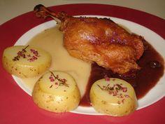 confit de pato con crema de manzana y salsa de oporto