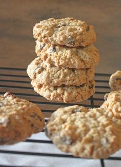 Delicious gluten free oatmeal cookies, They are sweet and taste just like a delicious chocolate chip cookie with just a bit of chewiness from the oatmeal.