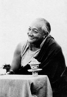If you recognise the empiness of your thoughts instead of solidifying them, the arising and subsiding of each thought will clarify and strengthen your realisation of emptiness.  -- His Holiness Dilgo Khyentse Rinpoche