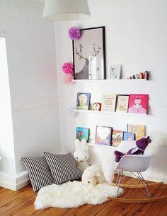 reading nook for the kids via mommo-design Reading Nook Kids, Reading Areas, Nursery Reading, Reading Habits, Ideas Habitaciones, Deco Kids, Ideas Para Organizar, Kids Corner, Cozy Corner