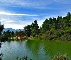 Λίμνη Μπελέτσι Πάρνηθα Αθήνα Μισή ώρα από την Ομόνοια, σε απόσταση 30 χλμ., στην ανατολική πλευρά της Πάρνηθας και σε υψόμετρο 600 μέτρων, το τοπίο δενθυμίζει σε τίποτα το κέντρο της Αθήνας.
