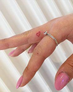 Heart Tattoo On Finger, Red Heart Tattoos, Red Ink Tattoos, Finger Tattoo For Women, Small Finger Tattoos, Tiny Tattoos For Girls, Cute Tiny Tattoos, Dainty Tattoos, Pretty Tattoos