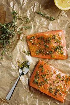 Slow baked lemonthyme salmon