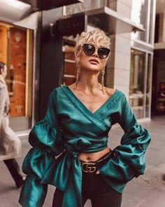 Fashion Look 2017 News Fashion, Fashion Poses, Girl Fashion, Fashion Outfits, Womens Fashion, Fashion Trends, Look 2017, Micah Gianneli, Fashion Blogger Style
