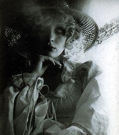 biba   Couture Allure Vintage Fashion: Movie Review - Beyond Biba