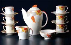 Kestrel-shape coffee set designed by Susie Cooper