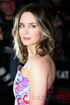 Terrific Emily Blunt Pictures And The Selection On Pinterest Short Hairstyles Gunalazisus