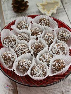 Biluțe din biscuiți cu vișine din vișinată - Lecturi si Arome Romanian Food, Mini Cupcakes, Biscuits, Caramel, Cheesecake, Deserts, Muffin, Cookies, Breakfast