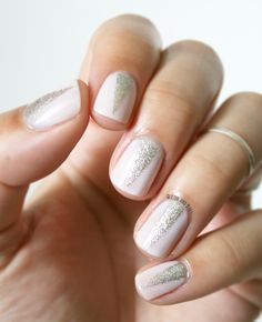 Glitter and Nails: Triangle, nude & paillettes