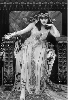 "Theda Bara in ""Cleopatra"""