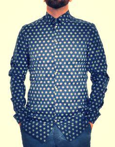 Camicia Con Stampa Macro Pois Patrizia Pepe.  Niente è più necessario per #lui. http://www.marsilistore.it/abbigliamento/uomo/camicie/camicia-con-stampa-macro-pois.html #saldi #fashion #pois #bluelook