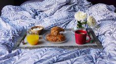 Upcycling : Détourner un meuble de cuisine pour en faire un plateau Café Croissant, Bizarre, Orange, Food, Orient, Action, Manualidades, Old Drawers, Diy Tutorial