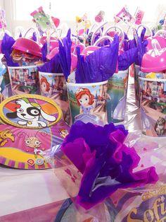 1000 images about decoraciones en globos para fiestas - Mesas infantiles de plastico ...
