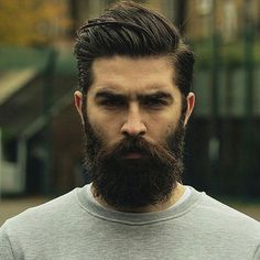 Men's Beard Fashion For 2017 2018 Latest Beard Styles Check out the best beard styles for men in Pakistan and India. Here are the best facial hair styles according to your face shape. Latest Beard Styles, Beard Styles For Men, Hair And Beard Styles, Beard And Mustache Styles, Beard No Mustache, Mustache Growth, Handlebar Mustache, Bart Styles, Long Haired Men