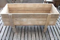 Foto de Mesa de cultivo de madera maciza reciclada de pale
