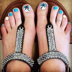 Summer toenails, summer pedicure colors, toenail art summer, summer beach n Beach Toe Nails, Cute Toe Nails, Summer Toe Nails, Toe Nail Art, Fun Nails, Summer Pedicures, Toenail Art Summer, Pedicure Colors, Pedicure Designs