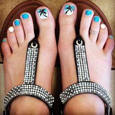 Summer toenails, summer pedicure colors, toenail art summer, summer beach n Beach Toe Nails, Cute Toe Nails, Summer Toe Nails, Toe Nail Art, Fun Nails, Summer Pedicures, Toenail Art Summer, Cruise Nails, Vacation Nails