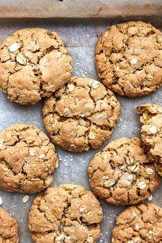 Vegan Oat Cookies - Cupful of Kale Vegan Oat Cookies, Oat Cookie Recipe, Cookie Recipes, Dessert Recipes, Cookie Cups, Oatmeal Cookies, Vegan Sweets, Vegan Desserts, Plated Desserts