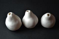 #lunaporcelain #luna #porcelain #pears #fruit #natureporcelain #nature T Lights, Pears, Porcelain, Fruit, Nature, Porcelain Ceramics, Naturaleza, Nature Illustration, Outdoors