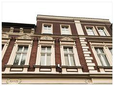 #RYBNIK, ul. Zamkowa 5 #townhouse #kamienice #slkamienice #silesia #śląsk #properties #investing #nieruchomości #mieszkania #flat #sprzedaz #wynajem Multi Story Building, Mansions, House Styles, Home Decor, Decoration Home, Manor Houses, Room Decor, Villas, Mansion